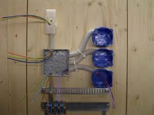 eine le 2 schalter kreuzschaltung anschliessen und verdrahten elektricks