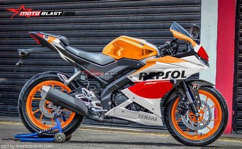 Decal Yamaha R15 V3 New All 2017 6 konsep modifikasi all new yamaha r15 repsol warungasep
