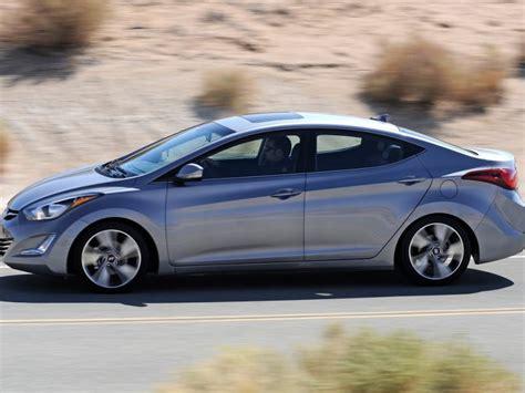 Hyundai Elantra 2015 Review by 2015 Hyundai Elantra Sedan Spin Review Autobytel