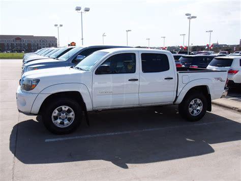 white toyota truck 2011 white toyota tacoma trucks theeagle com