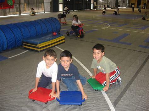 kindergarten activities pe pre k kindergarten p e class photos cathedral school of