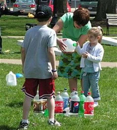 backyard picnic games 1000 images about picnic game ideas on pinterest picnic