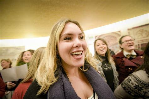 quot la donna 232 mobile quot al bar flash mob teatro san carlo