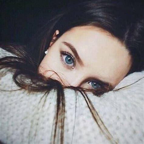 beautiful blue eyes brunette girl selfie iconosquare instagram webviewer image 3894499 by