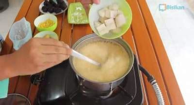 resep   membuat kolak pisang bola bola ketan