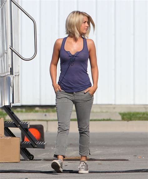 julianne houghs hair in safe haven julianne hough in purple top on the set of safe haven