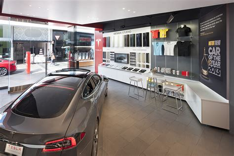 Tesla Dealership California Tesla Showroom By Mbh Architects Los Angeles California