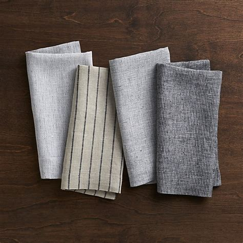 crate and barrel napkins set of 4 suits linen cloth dinner napkins crate and barrel