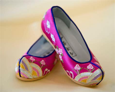 korean shoes for leehwa korean traditional dress shop los angeles may 2010