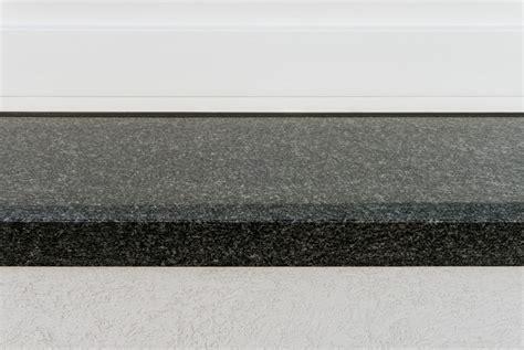 granit fensterbã nke bestellen ber 252 hmt fensterbanke aus granit zeitgen 246 ssisch die