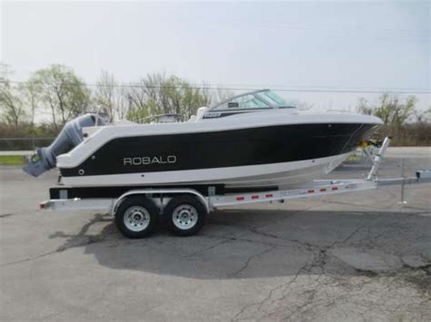 robalo boats r227 2016 new robalo r227 dual console boat for sale 56 038