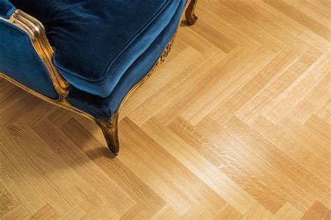 6 factors to consider when picking laminate vs hardwood laminate wood floors pictures vinyl tile laminate