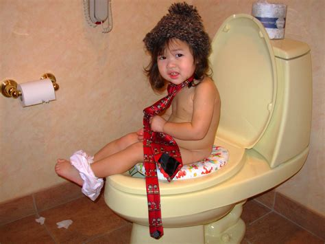 how do u potty a when is child ready to potty free potty kit 2012 potty babybjorn