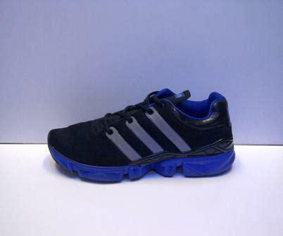 Sepatu Adidas Kanadia 03 sepatu adidas running marathon 10 2 sepatu reebok