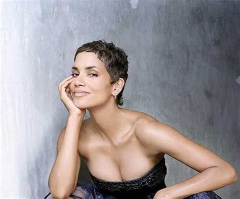 who popularized the pixie haitcut 19 halle berry pixie cuts 3 halle berry chic very short