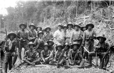 Ambon Holic 1 gaya narsis asli infanteri dari tentara hindia belanda di