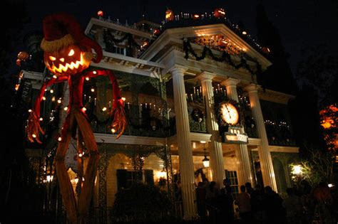 haunted house disneyland disneyland haunted house flickr photo sharing