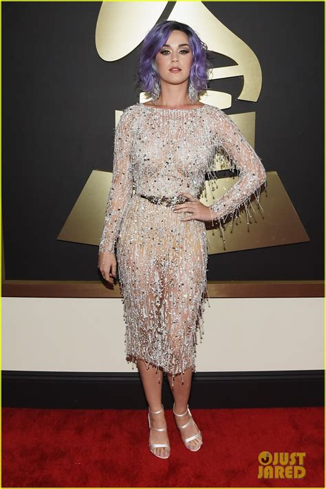 grammys 2015 grammy awards red carpet fashion and pictures katy perry is fab in fringe on grammys 2015 red carpet