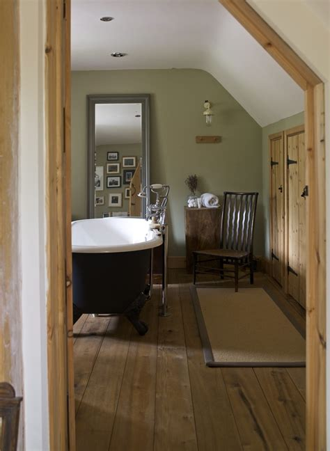 bathroom oak flooring 17 best ideas about oak bathroom on cottage