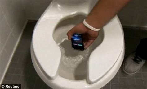 Iphone In Bathtub by Would You Answer Your Iphone If It Had Just Fallen Into