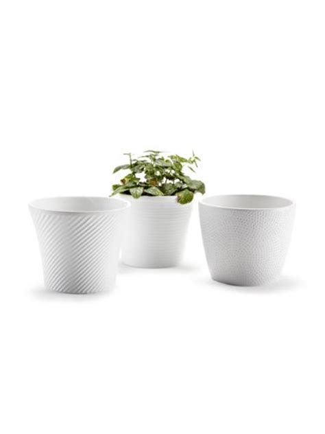 White Flower Pot Make Wedding Centerpieces Using White Vases