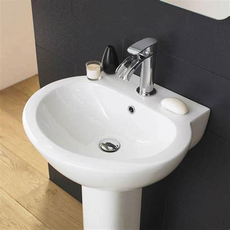 what is a 4 piece bathroom premier holstein 4 piece bathroom suite at victorian
