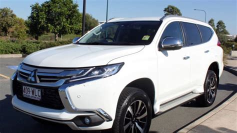 white mitsubishi sports car mitsubishi montero sport 2015 white www pixshark com