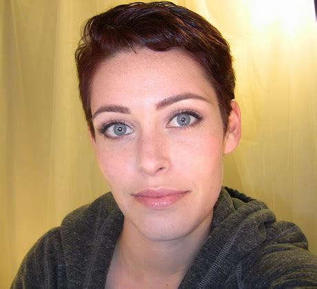 Eyeshadow Pixy No 5 best makeup for pixie cut