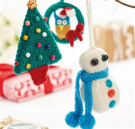 knitted christmas decorations 50 free knitted knitting patterns knitting bee