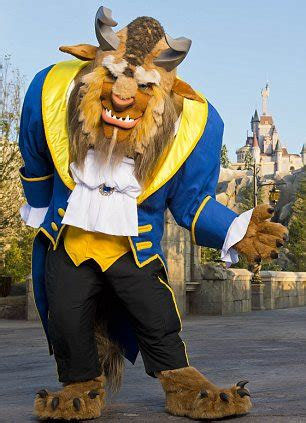 neve cbell meet and greet orlando holidays meet belle and the beast how disney s