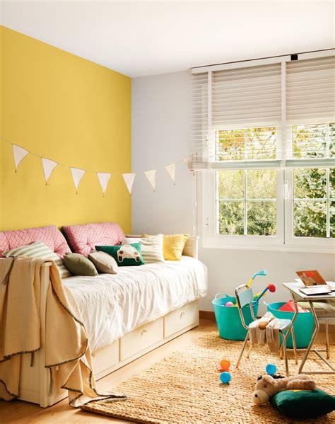 decorar pared amarilla colores para dormitorios infantiles