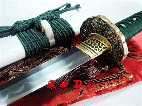 sharpen tanto blade battle ready japanese white katana silver wave tsuba clay