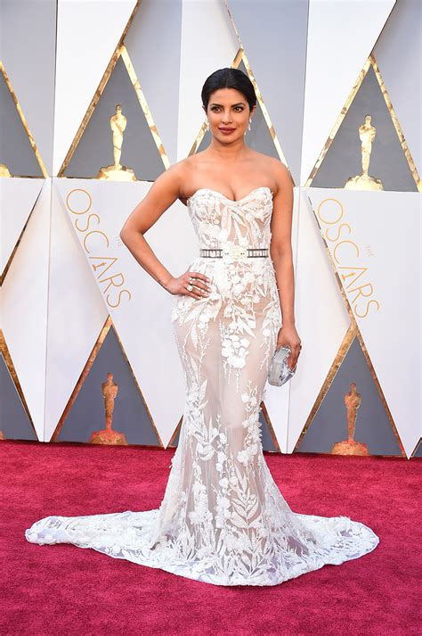Dresses Ruled At The Oscars Get The Look For Less by Priyanka Chopra S Dress Photos From 2016 Oscars Pret A