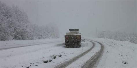 turchia ad istanbul tempesta di neve cancellati 142