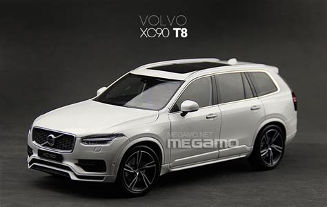 Kemeja Volvo Blue White Diskon 1 18 gt autos volvo xc90 t8 white