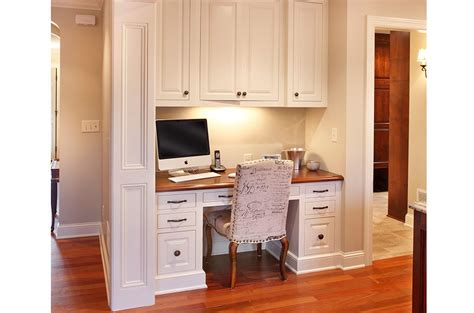 Custom Cabinets for Kitchens, Bathrooms & Living Spaces