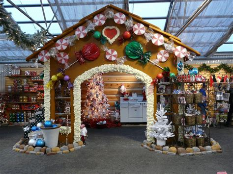how to display christmas ornaments at fair you could do this for a craft show booth thick cardboard for the gingerbread spackle for the