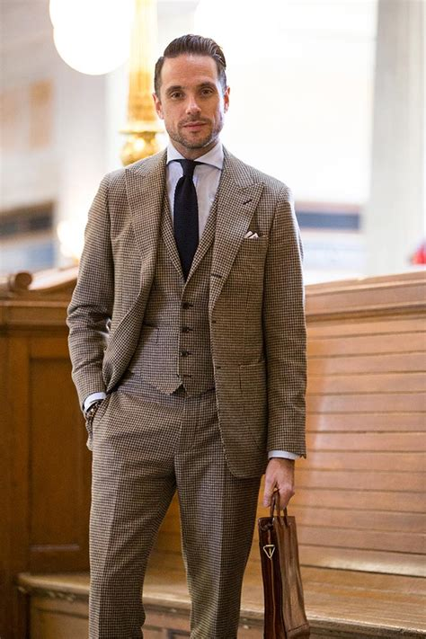 Pieces Of Three 3 suit brown hardon clothes