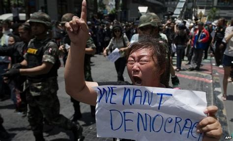 news thailand protests continue despite army