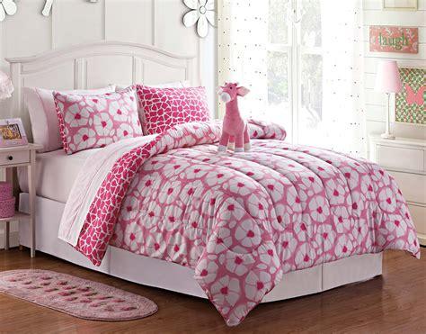 giraffe comforter set furry friends 8 piece giraffe comforter set home bed