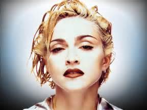 Madonna surgiu assim no mundopop o que era extremamente vulgar passou
