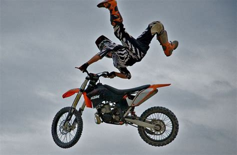 pictures of motocross bikes dirt bike in the air motorcycles more dirt