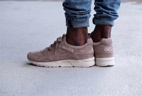 Sepatu Asics Gel Lyte V Taupe Grey Sneaker Shoes New 2017 asics gel lyte v taupe grey h736l 1212