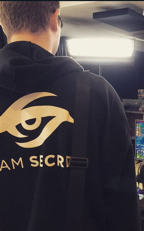 Tshirt Welcome To Dota Rtvcloth team secret are you going to sell these jerseys hoodies