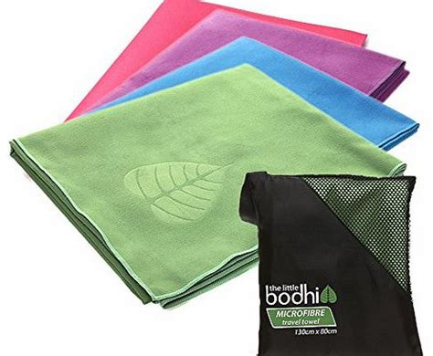 The Little Bodhi Microfibre Travel Towel (Green) for beach