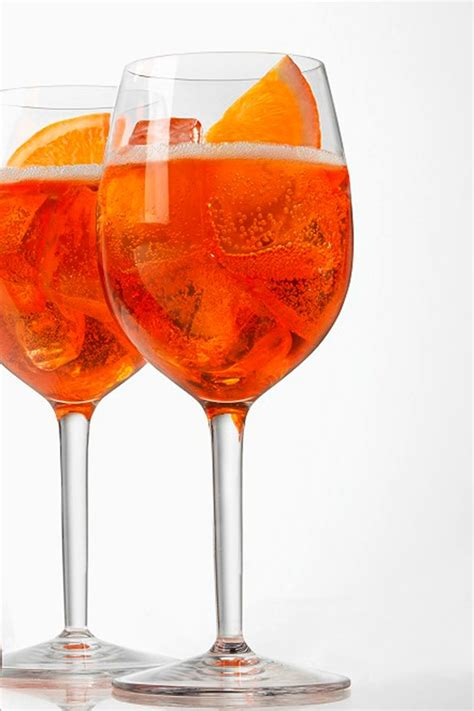 bicchieri aperol aperol spritz cocktail recipes aperitifs where to