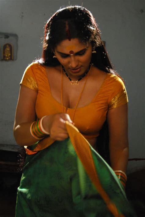 film india hot heroine telugump3songs shyamala devi stills