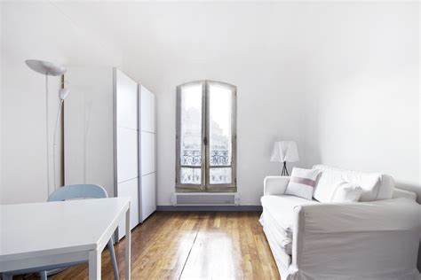 bed and bathroom studio for rent boulevard de clichy paris ref 8499