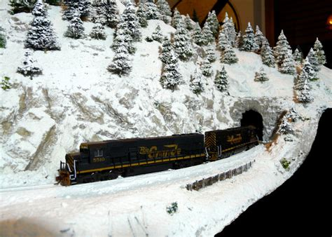 Snow Layout by Winter Layouts Trainboard The S Original