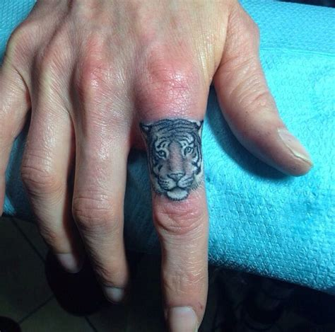 tattoo finger tiger 72 best images about tattoo on pinterest henna khmer